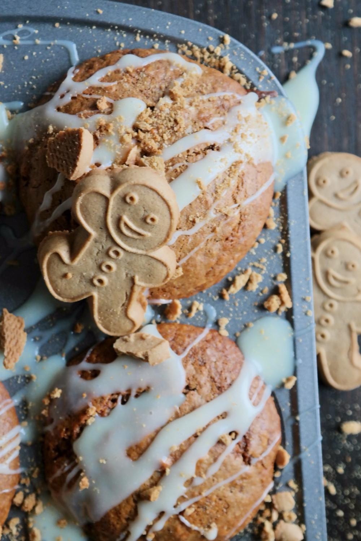 Gingerbread Muffins | eatlovegarlic.com @eatlovegarlic