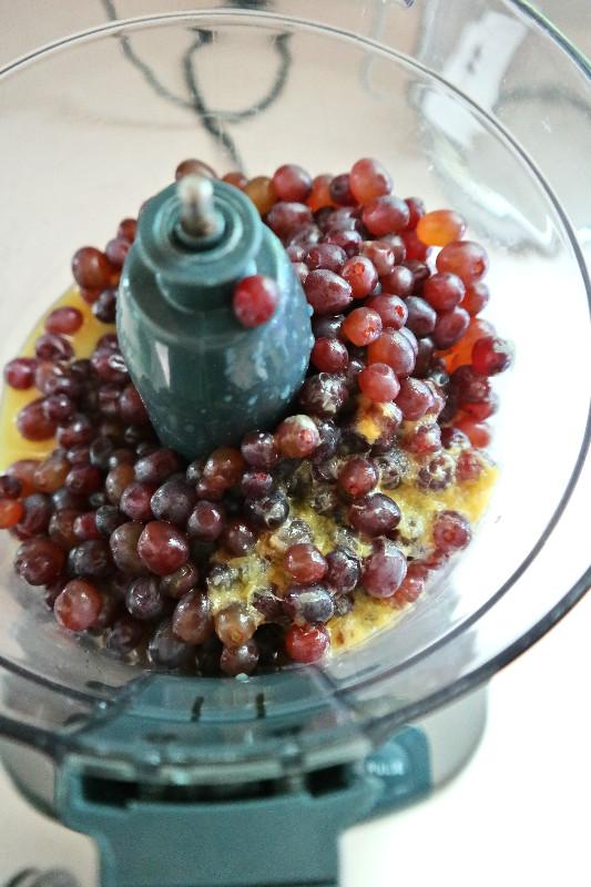 Easy Homemade Grape Jam {pectin-free} | eatlovegarlic.com @eatlovegarlic