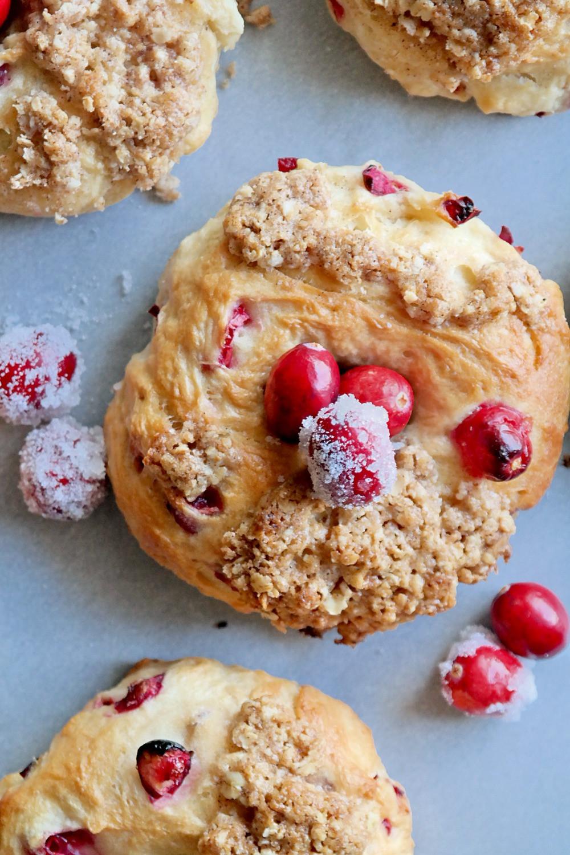 Frosted Cranberry & Lemon Bagels | eatlovegarlic.com @eatlovegarlic
