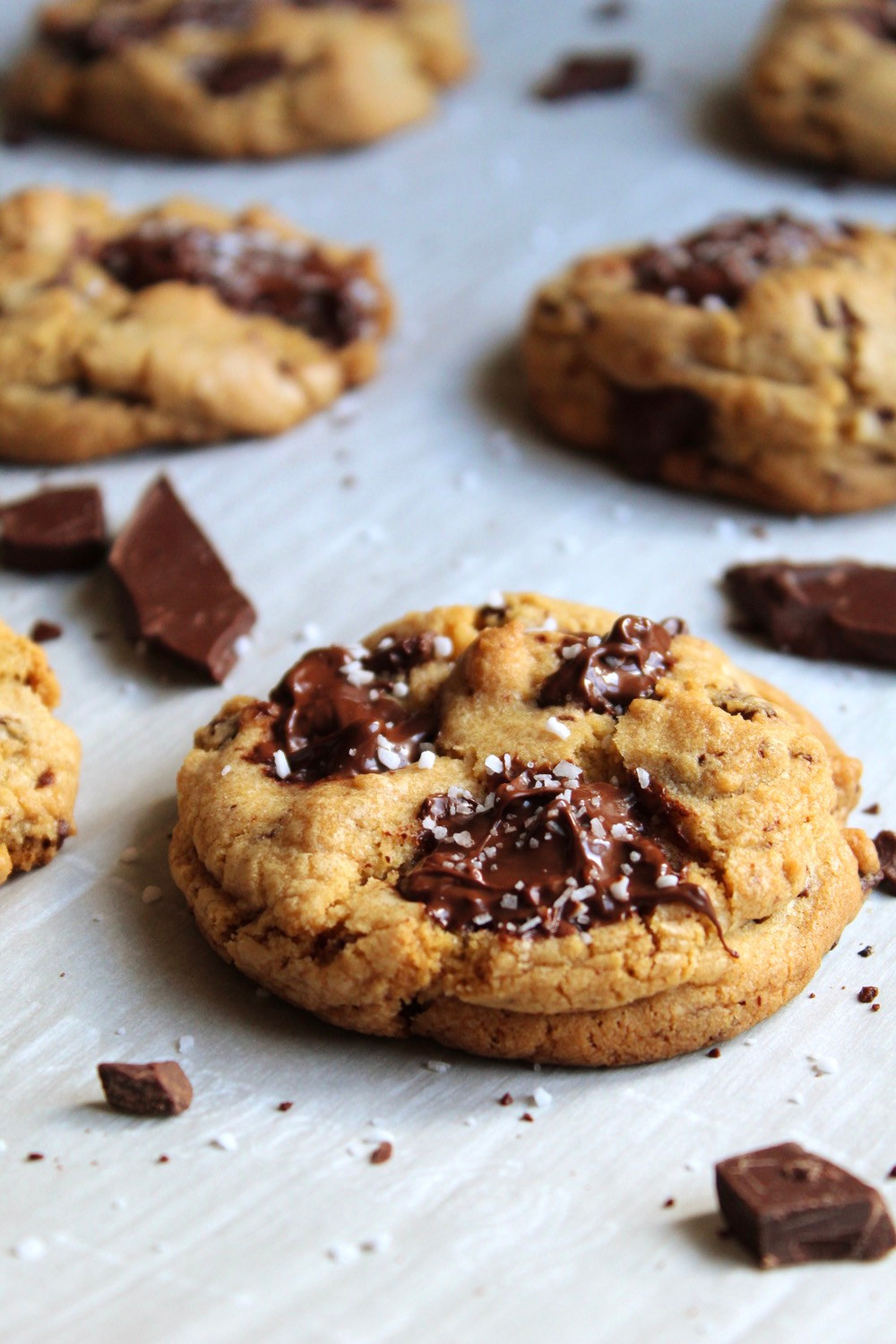 Salted Browned Butter Chocolate Chip Cookies | eatlovegarlic.com