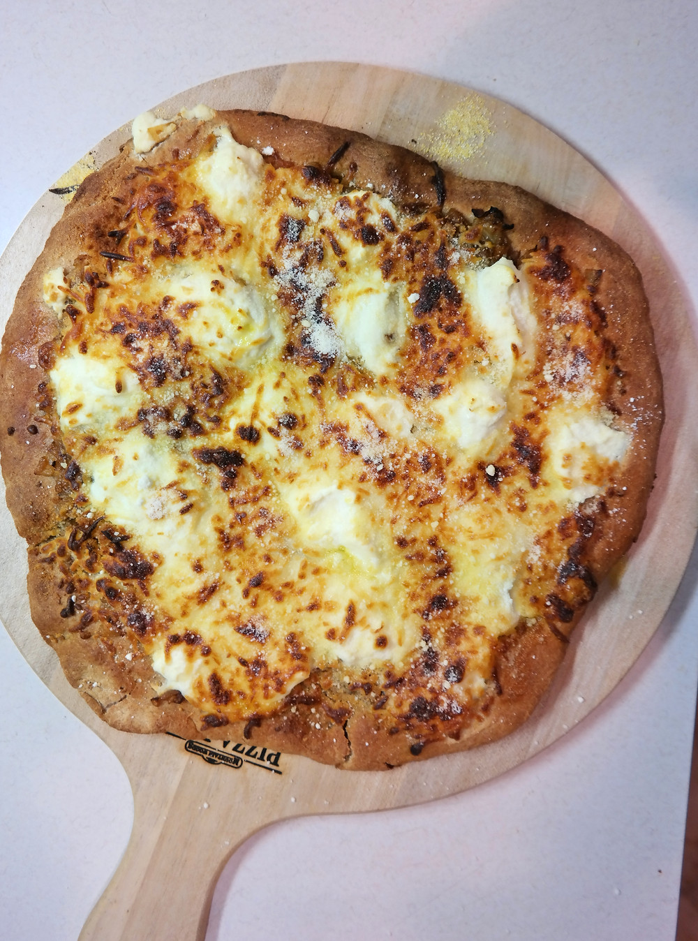 Slightly Drunken, White Pizza | eatlovegarlic.com @eatlovegarlic