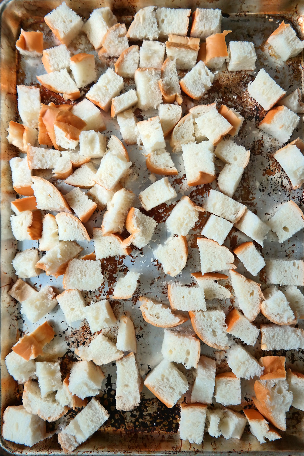 French Onion Croutons | eatlovegarlic.com @eatlovegarlic