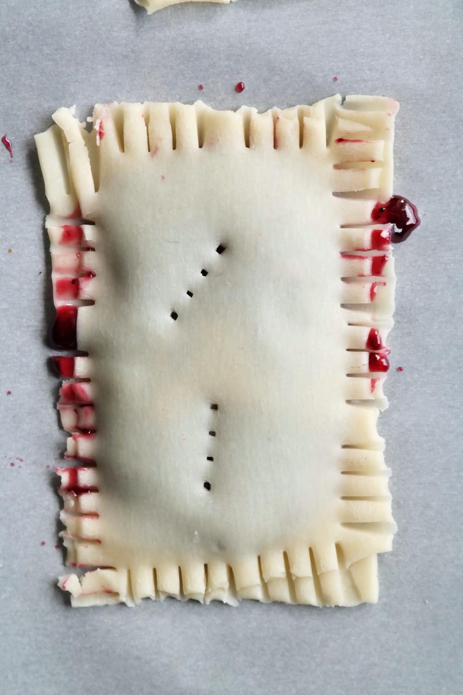 Wild Berry Poptarts | eatlovegarlic.com @eatlovegarlic