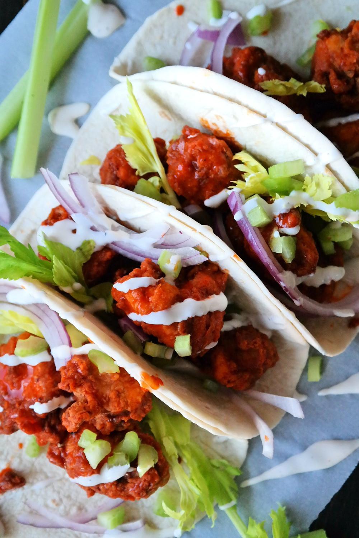Boneless Buffalo Wing Tacos | eatlovegarlic.com @eatlovegarlic