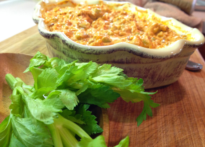 Loaded Buffalo Chicken Dip | eatlovegarlic.com @eatlovegarlic