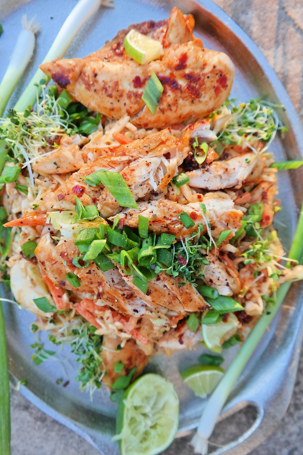 Thai Chicken Salad with Spicy Peanut Sauce | eatlovegarlic.com @eatlovegarlic