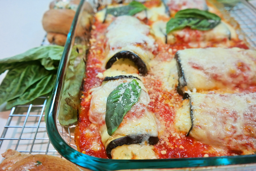Skinny Mini Eggplant Rolls | eatlovegarlic.com @eatlovegarlic