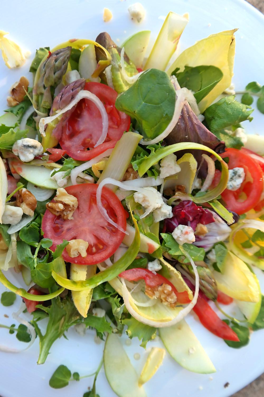 Endive Salad with Apple & Shaved Asparagus | eatlovegarlic.com @eatlovegarlic