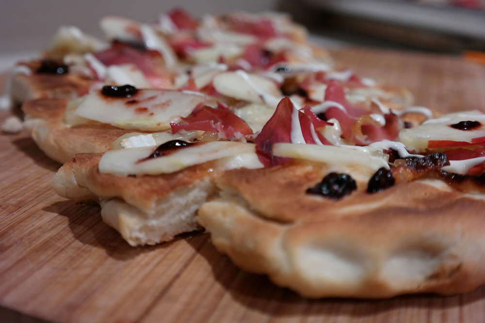 Grilled Prosciutto & Brie Flatbread with Caramelized Shallots, Crisp Apple and Raspberry Balsamic Reduction  | eatlovegarlic.com @eatlovegarlic