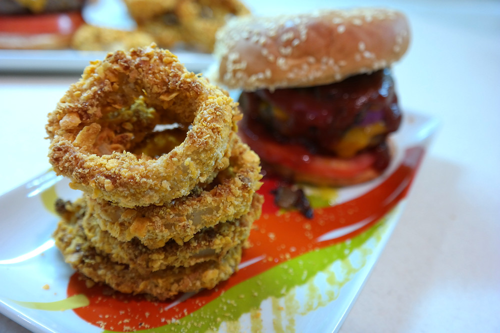 Maple Bourbon and Brown Sugar Soaked Garlic Burgers with Baked Cheddar-Beer Onion Rings | eatlovegarlic.com @eatlovegarlic