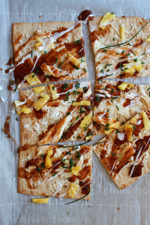 BBQ Pineapple Chicken Pizza | eatlovegarlic.com