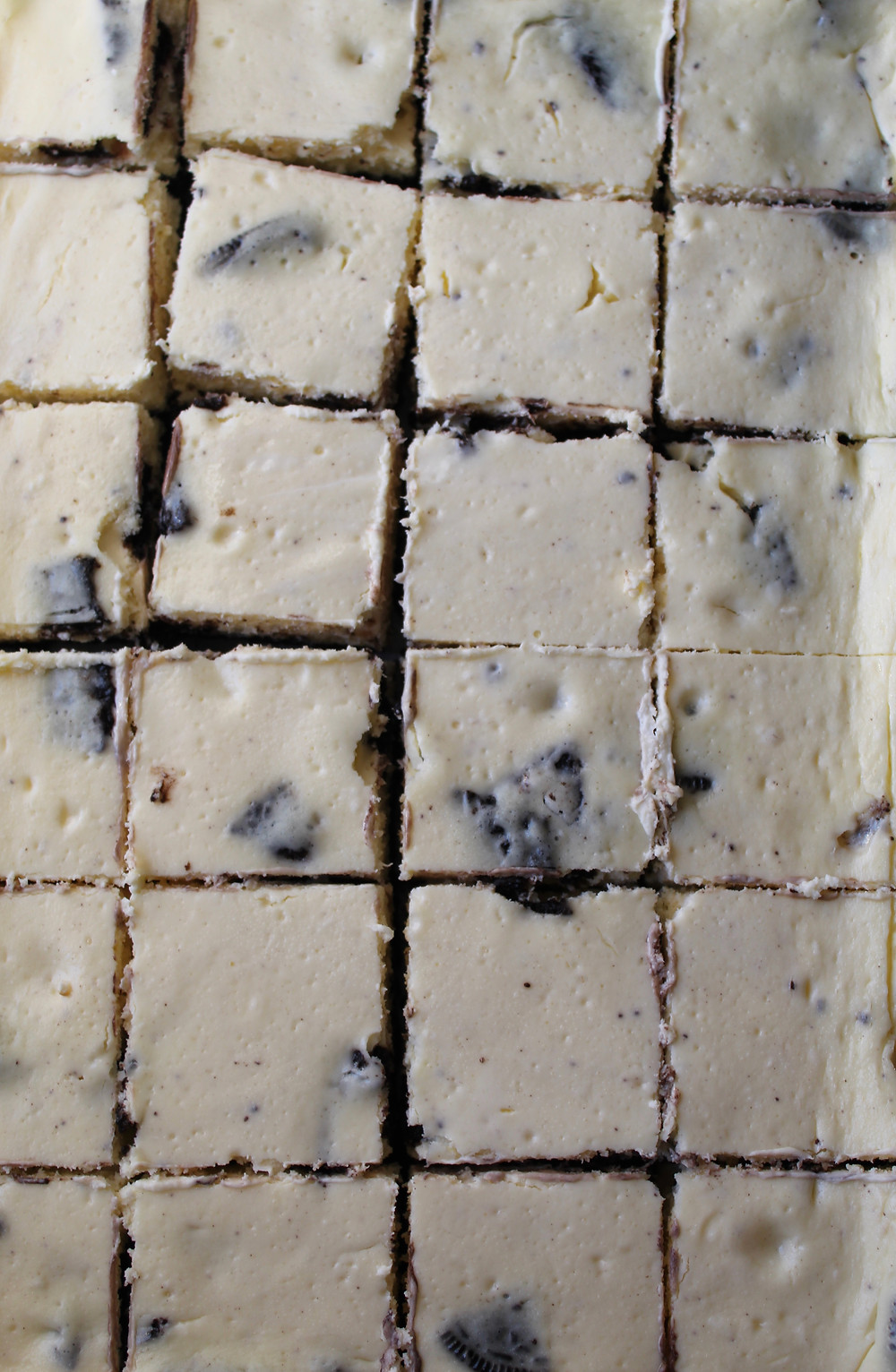 Oreo Cheesecake Bars | eatlovegarlic.com