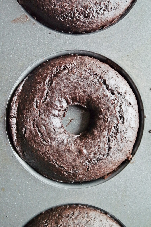 Double Chocolate Peppermint Mocha Donuts | eatlovegarlic.com @eatlovegarlic