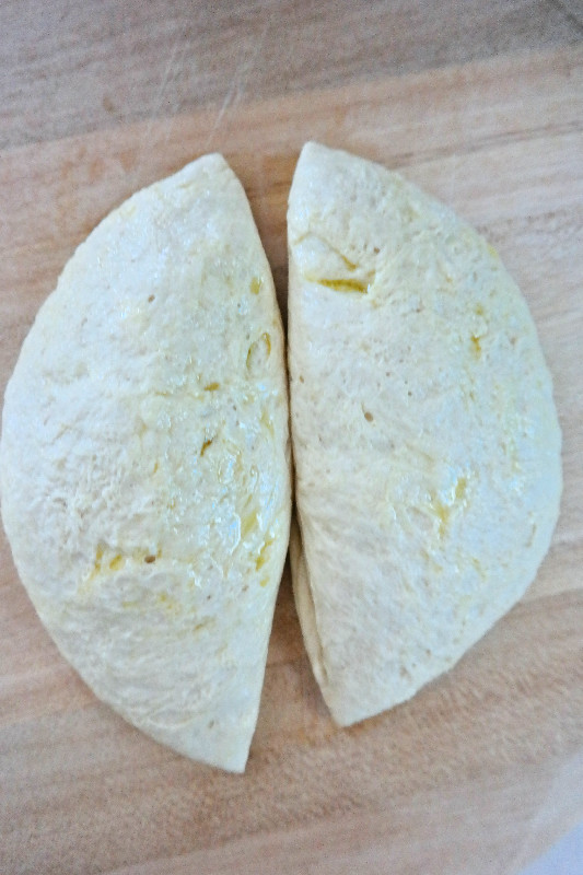 Perfect Pizza Crust (every time) | eatlovegarlic.com @eatlovegarlic
