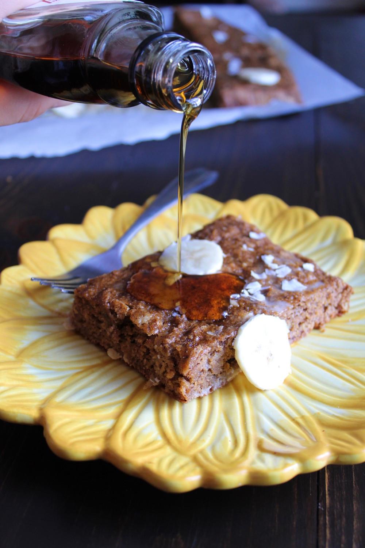 Banana Breakfast Cake | eatlovegarlic.com