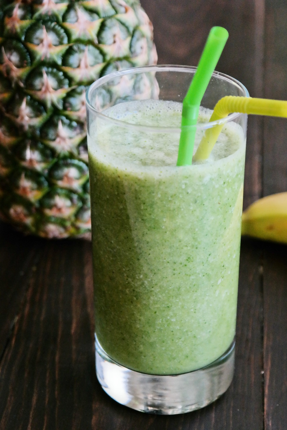 The Green Smoothie | eatlovegarlic.com @eatlovegarlic