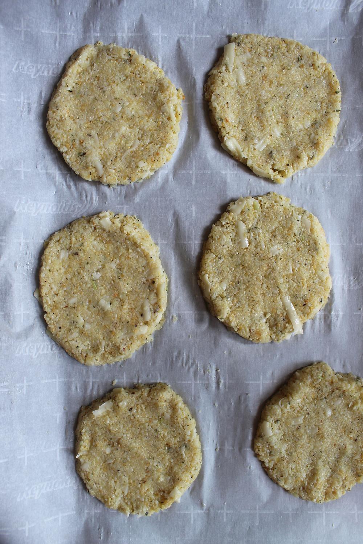 miniChicken Parm Pizzas | eatlovegarlic.com