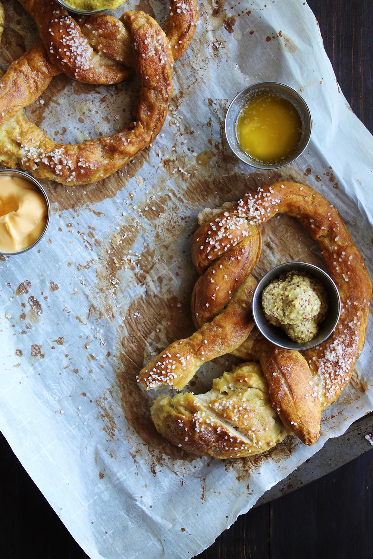 German Soft Pretzels | eatlovegarlic.com