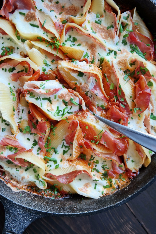 Stuffed Italian Shells | eatlovegarlic.com @eatlovegarlic