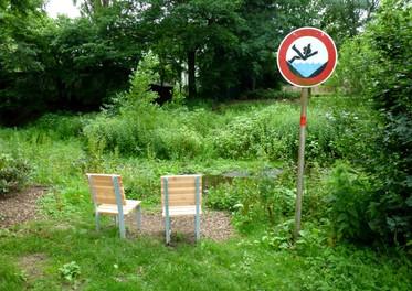 """""""Stühle an den Schölzbach"""" Projekt für den Kunstverein Dorsten, 2012"""