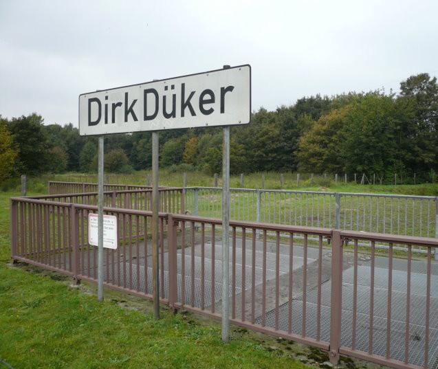 """Dirk Düker"",  Fotografie für Installation Reisebüro, Ludwig Galerie Schloss Oberhausen, 2014"