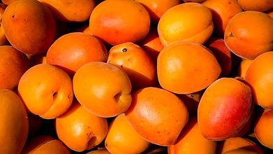 peaches -134706-unsplash.jpg