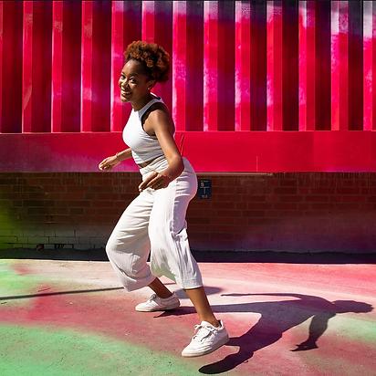 Online | Urban Afro Dances Workshopreihe mit Luana Madikera (Englisch & Deutsch)