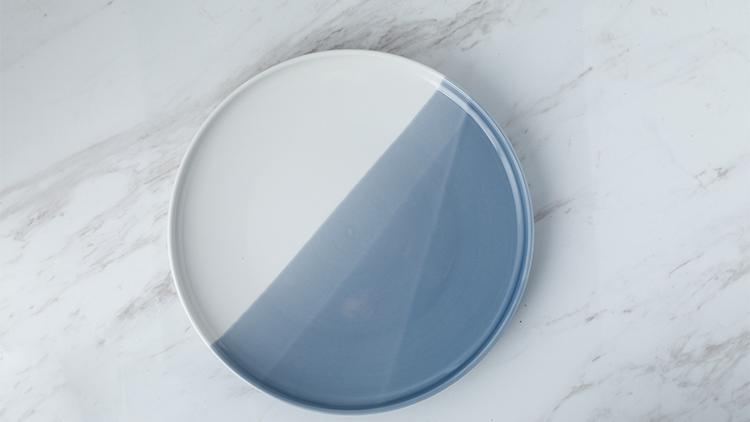 灰白骨瓷餐碟