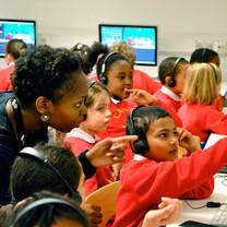 education-workshop-013-018-kids-with-com