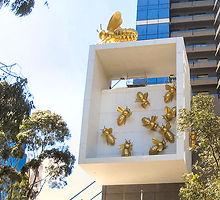 Queen Bee Skulptur