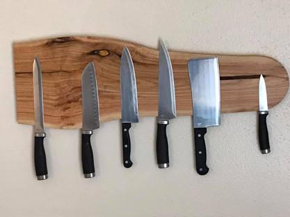Alligator invisible magnet knife rack