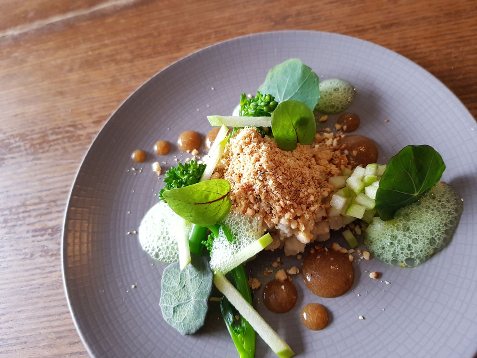 Tenderstem Broccoli / Apple / Peanuts / Chilli / Nasturtiums