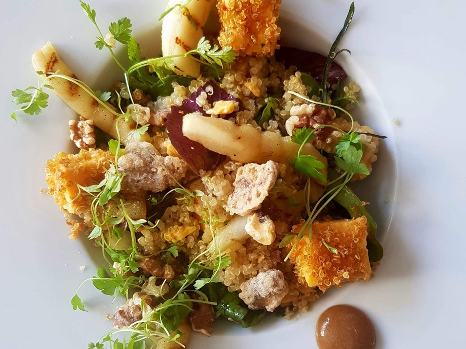 Braised Quinoa / Shropshire Blue / Pear Salad