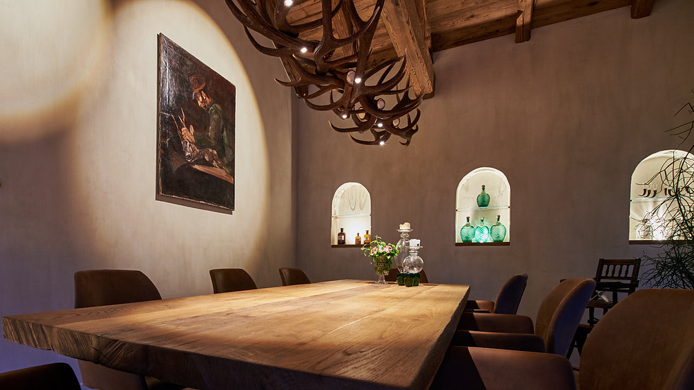 Innenarchitektur Fotogarfie. Interior fotografie von Esszimmer mit beleuchtung von Heimatlicht.