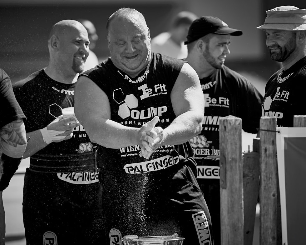 Strongman deutsche meisterschaft ruhpolding athletes getting ready for competition. Sport photographer in chiemgau