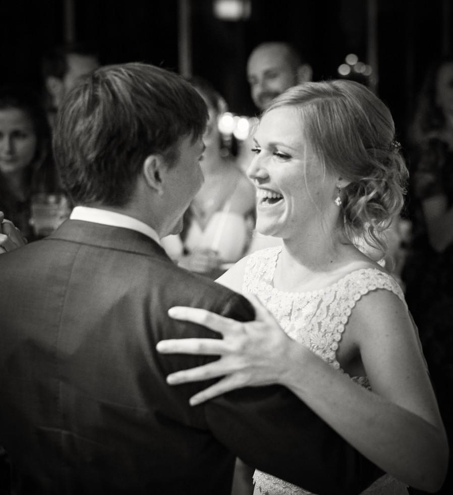 Hochzeits Reportage - Feier und Tanzen Abends