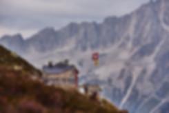 Salbit Hütte mit Berge im hintergrund, berg sport und fotografie