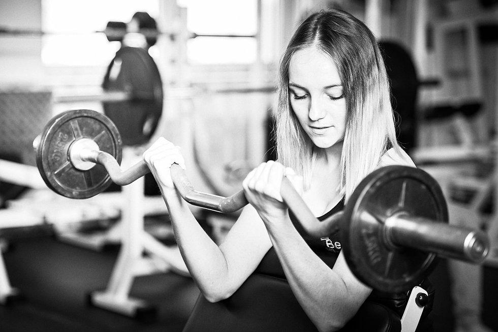 Fitness studio training und spass, bodybuilding fotografie