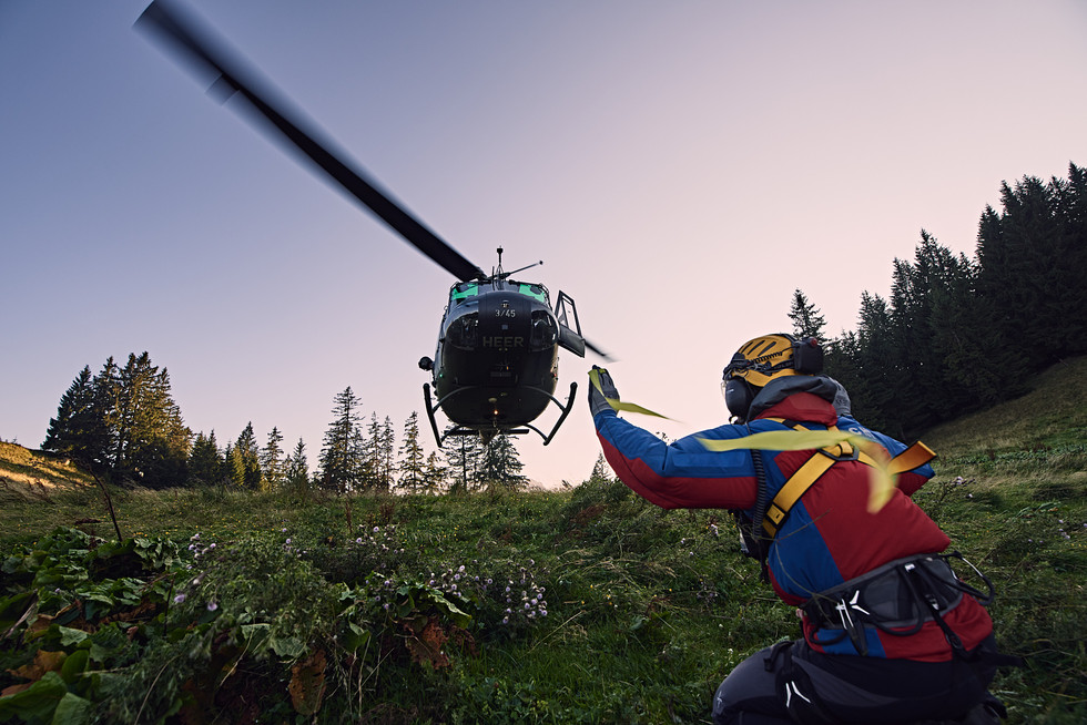 Bergwacht Chiemgau, Hubschraube Übung am Unternberg, Ruhpolding. SAR UH1D