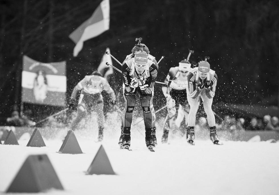Ruhpolding Biathlon Reportage Fotografie, Daniel Bohm leads the pack