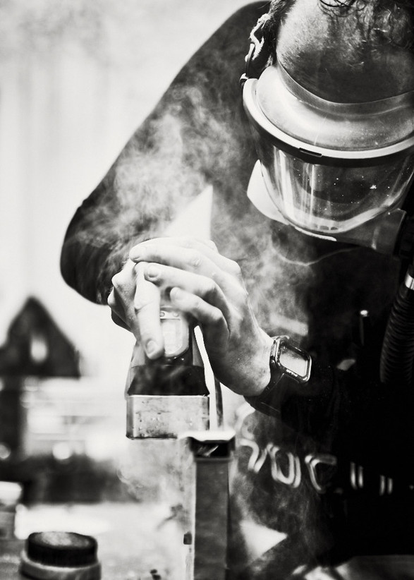 Biathlon world cup waxman waxing skis sport photography