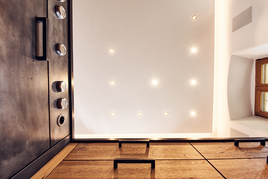 Interior Photography of prestigious houses, view of lighting setup