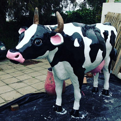 life size cow