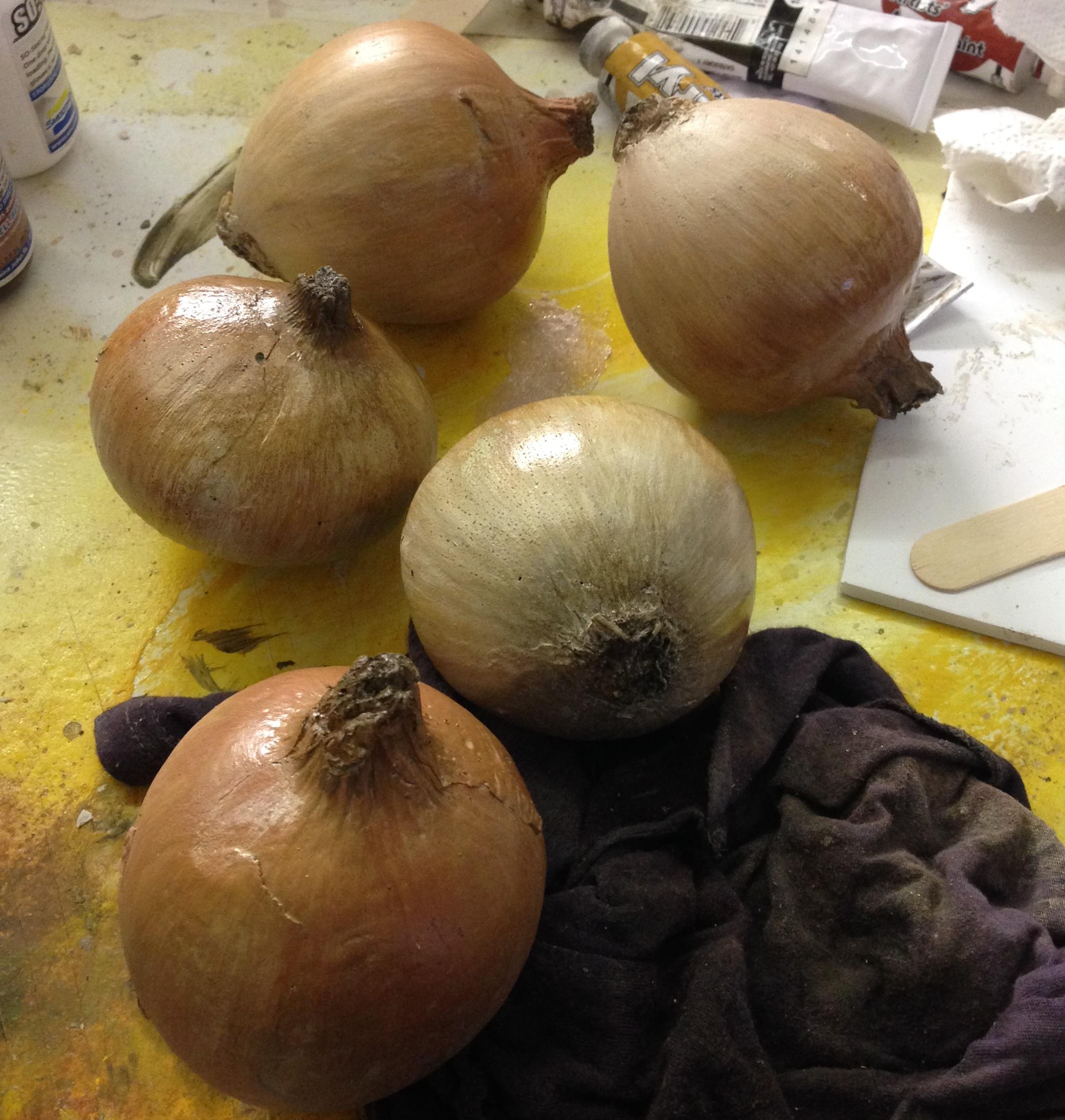 Fabricated onions