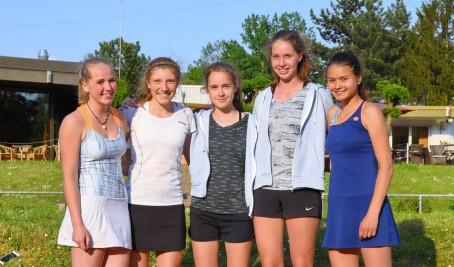 U 18 Juniorinnen steigen in die Niederrheinliga auf
