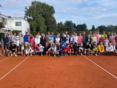 Club Mixed 2021 bei Blau Schwarz