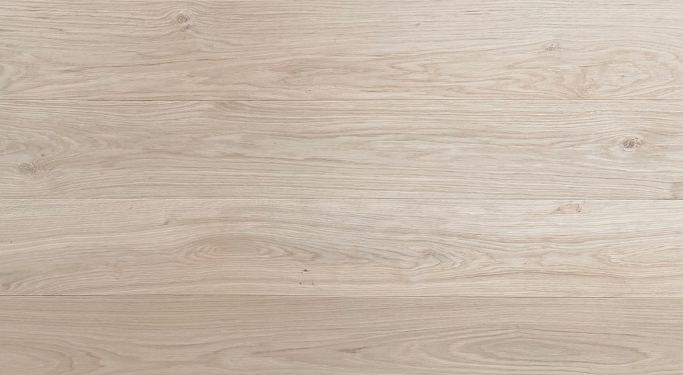 """Select & Better White Oak (Gravity & Veneto Collection)  Knots up to 10 mm (~3/8"""") allowed, no sap wood and/or pinholes, small dark knots up to 3mm (~1/8"""") allowed, low to medium colour variation."""