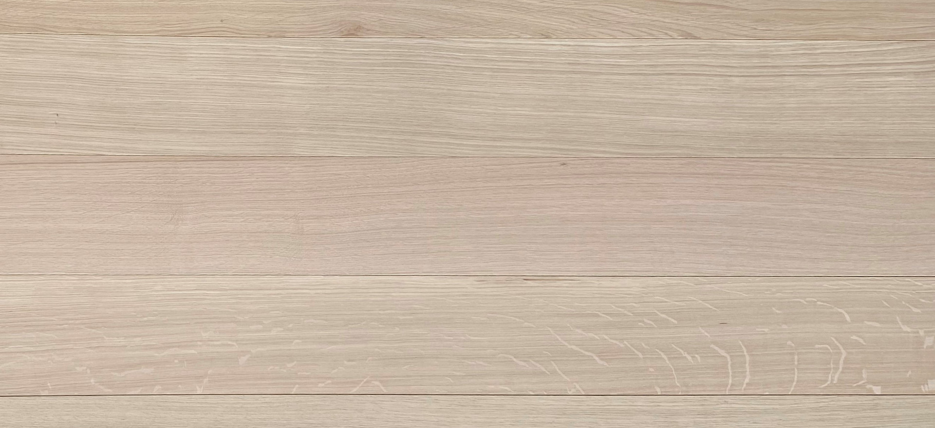 Rift & Quartered White Oak (Veneto Collection Only)  Radial cut, uniform colour, medullary ray or ray fleck allowed, extremely stable.