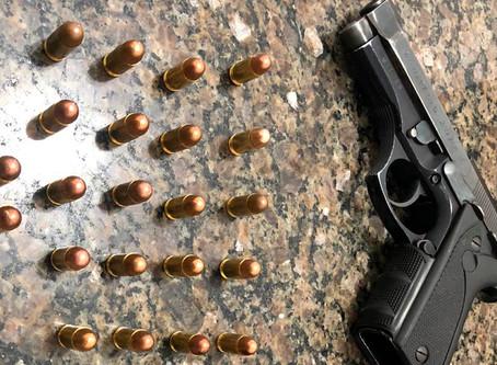 Homem é preso após atirar em amigo