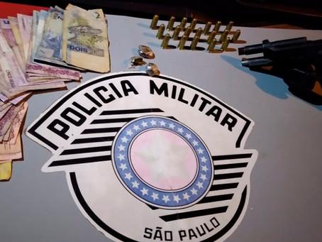 Polícia Militar de Jardinópolis apreende arma de fogo e recupera carro roubado